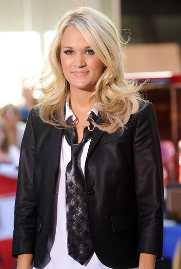 Carrie Underwood Medium Curly hairstyle