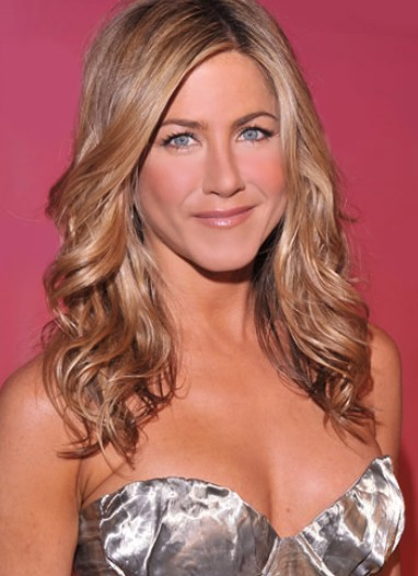 Jennifer Aniston long wavy hairstyle