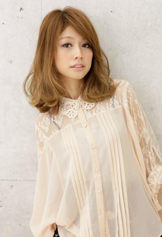 2012 medium Japanese hairstyle