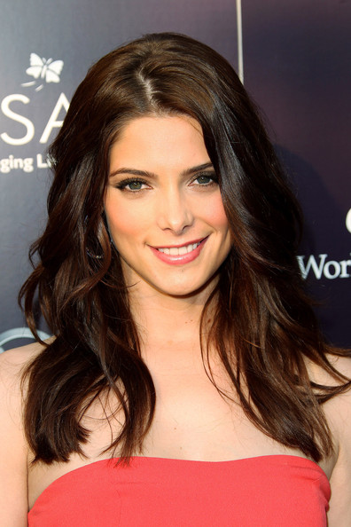 Gorgeous Long Wavy Hairstyle with Brown Slightly for Women from Ashley Greene