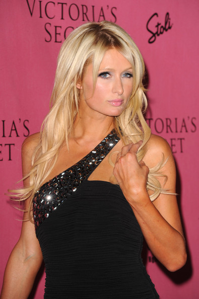 Glamour Haircut from Paris Hilton at The Event