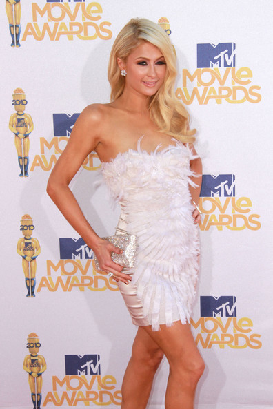 Beauty Wavy Haircut from Paris Hilton at Movie Awards