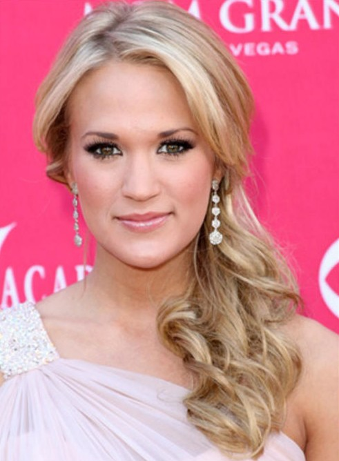 Carrie Underwood Low Side Ponytail Hairstyle