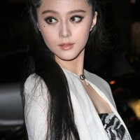 Fan Bingbing Long Black Retro Hairdo