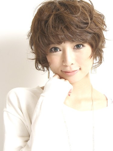 Cute Curly Japanese Hairstyle