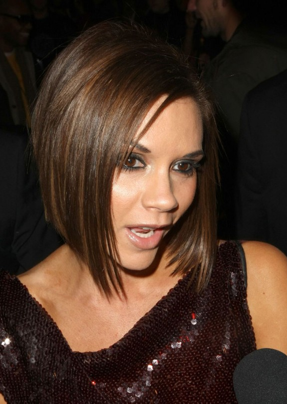 How To Style Hair Like Victoria Beckham Graduated Bob Victoria Beckham  Hairstyles Weekly