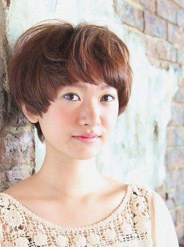 Japanese Short haircut with bangs