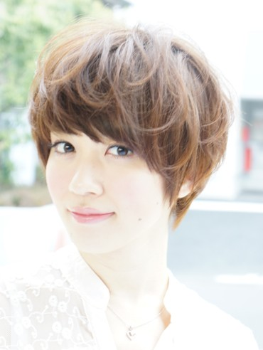 Japanese Short hairstyle for summer