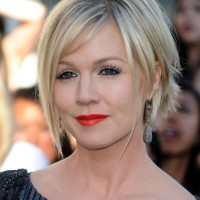 Jennie Garth Short Hairstyle with Bangs