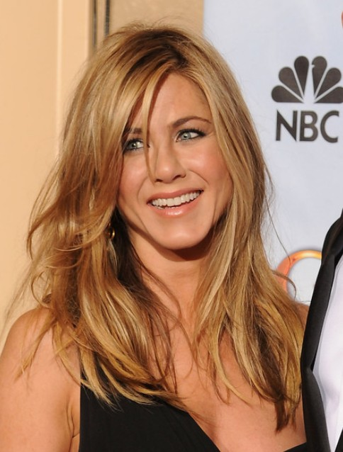 Jennifer Aniston Loose Wavy Hairstyle