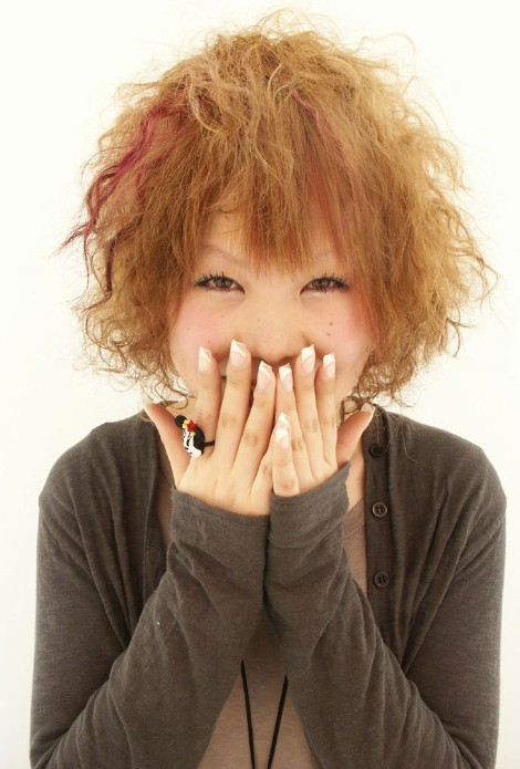 Layered-Curly-Japanese-Hairstyle