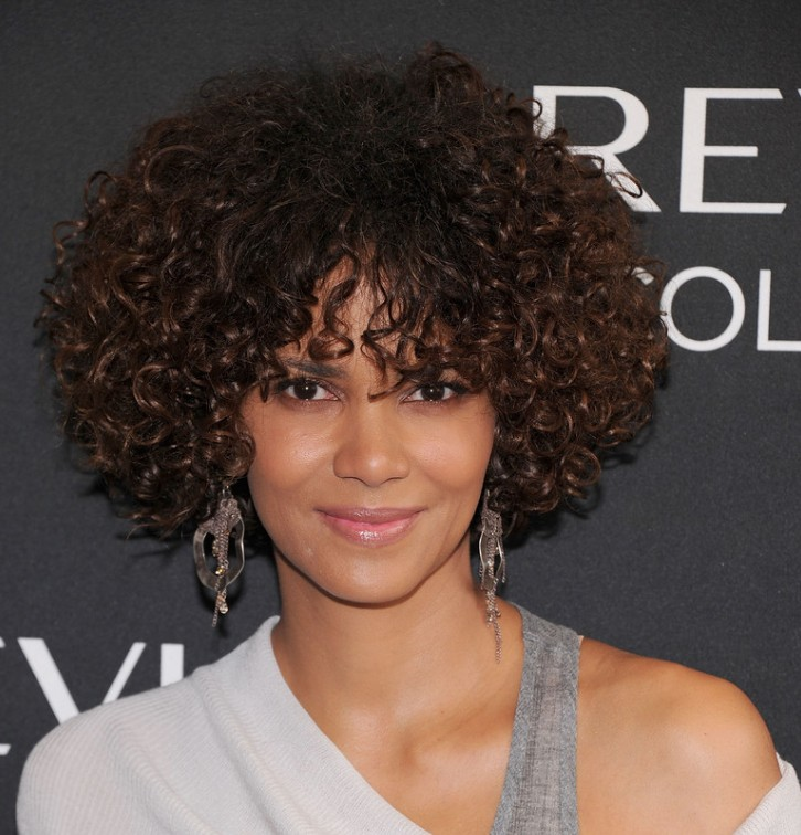 Halle berry short curly hairstyle