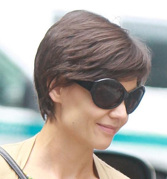Awe Inspiring Katie Holmes Short Haircuts With Layers Hairstyles Weekly Short Hairstyles Gunalazisus