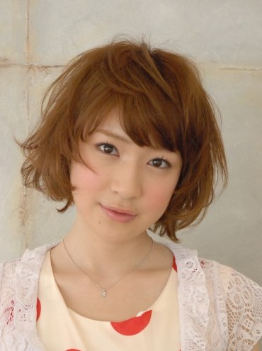 Short Messy Japanese hairstyle