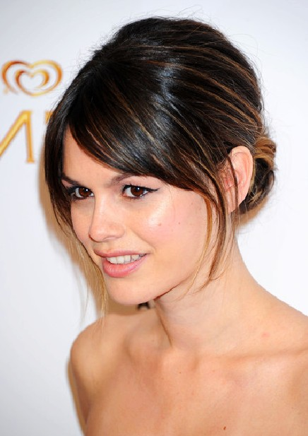 Chignon Hairstyles: Pictures of Chignon Updos