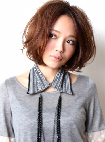 stylish short japanese haircut for girls