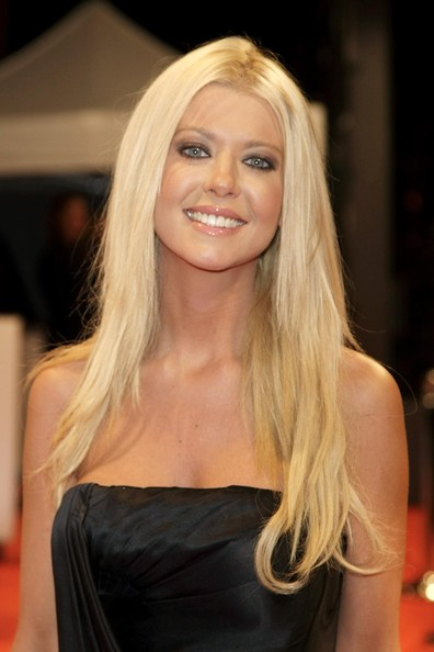 Tara Reid Cute Long Straight Hairstyles Hairstyles Weekly
