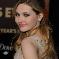 Abigail Breslin Half Up Half Down Hairstyles for Prom