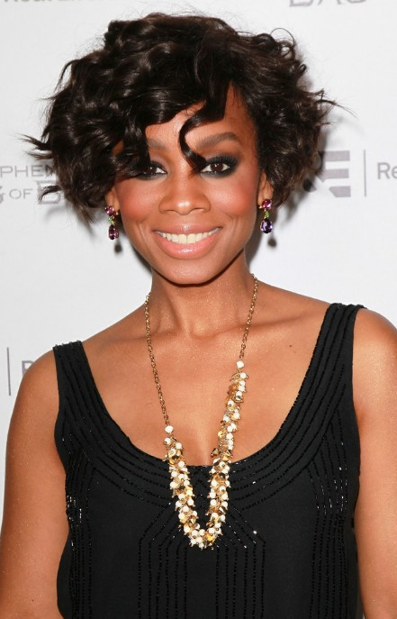 Anika Noni Rose Curly Bob Hairstyle 2013