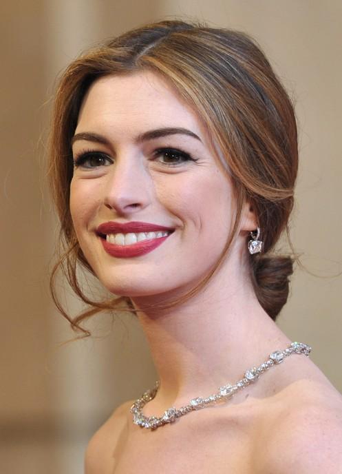 Cool Loose Bun Hairstyles Weekly Hairstyles For Women Draintrainus