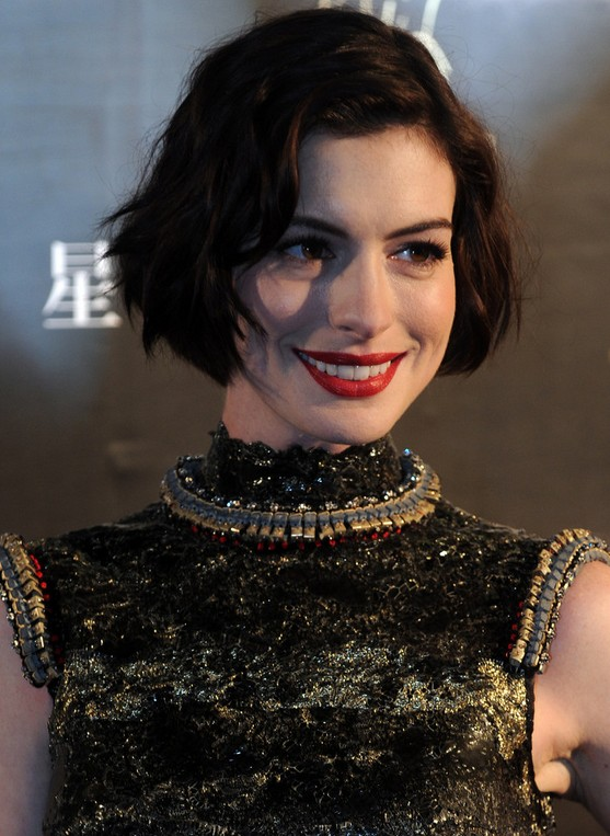 Anne Hathaway Short Wavy Curly Bob Haircut for Women