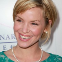 Ashley Scott Cute sassy bob hairstyle