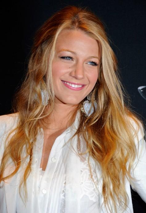 Blake Lively Loose Half Up Half Down Hairstyle Hairstyles Weekly