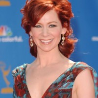 Carrie Preston Messy Red Hairstyle for Women Over 40