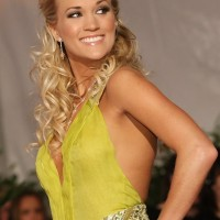 Carrie Underwood Curly Half Up Half Down Hairstyles