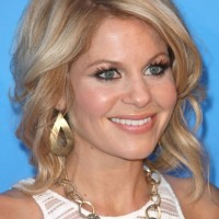 Celebrity Medium Wavy Hairstyles for women