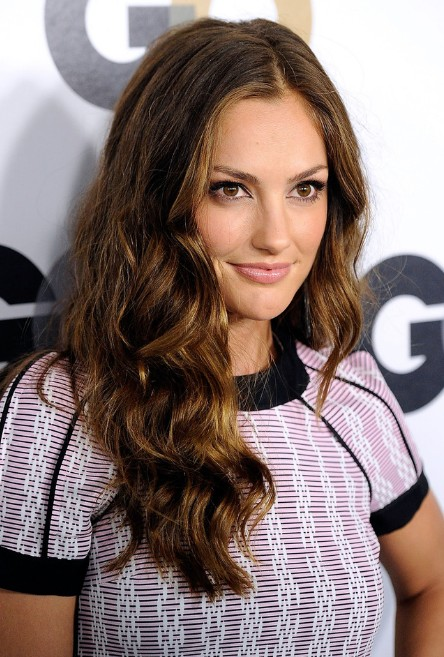 Celebrity Wavy Hairstyle for Curly Hair - Hairstyles Weekly