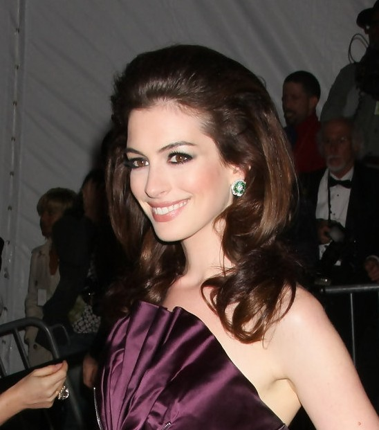 Celebrity bouffant hair style 2013