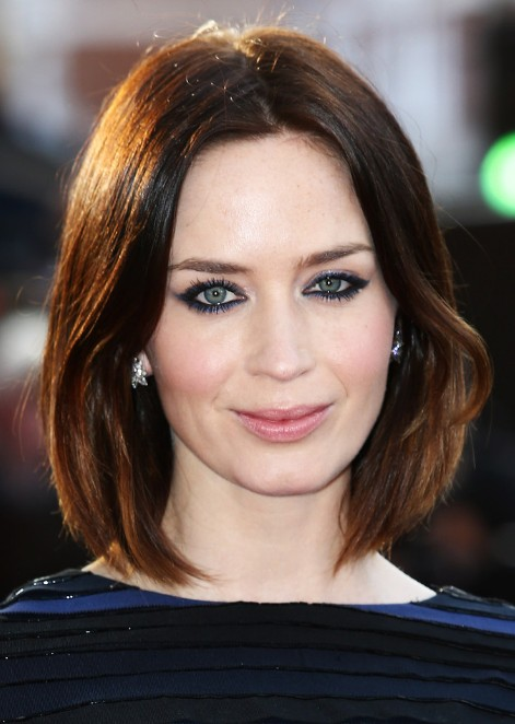 Hairstyles Parted In The Middle : Center parted bob hairstyle - Hairstyles Weekly