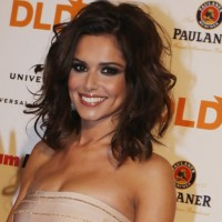 Cheryl Cole Medium Wavy Hairstyle for Women