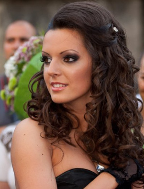 Picture of Curly hairstyles for prom @ hairstylesweekly.com