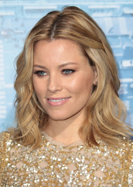 Elizabeth Banks Shoulder Length Hairstyle