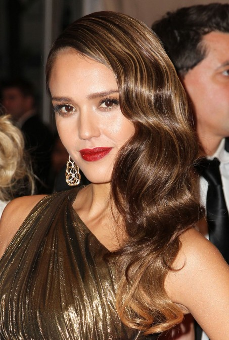 Jessica Alba Formal Long Wavy Hairstyle for Women