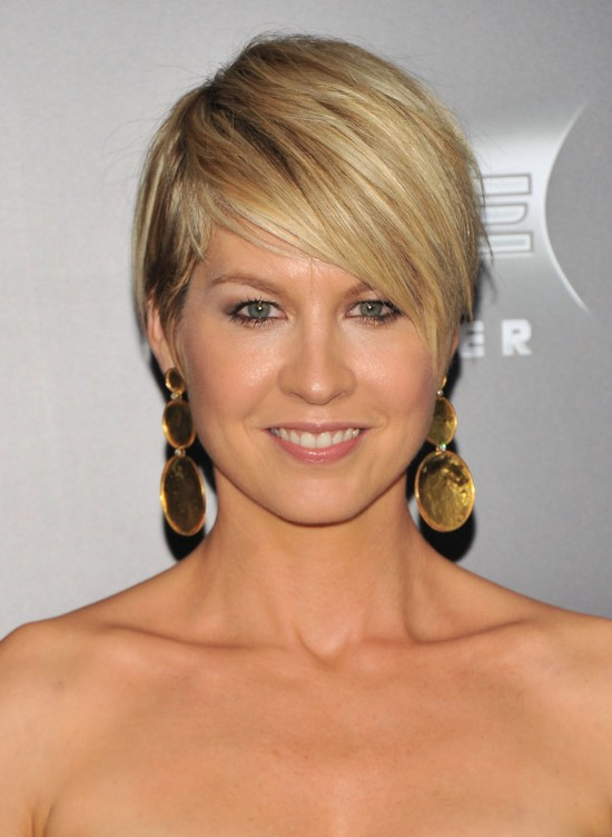 Stupendous Short Haircut For 2014 Jenna Elfman39S Hairstyle With Side Swept Short Hairstyles Gunalazisus