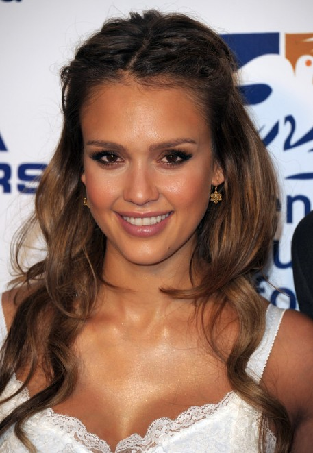 sexy hair up styles center parted honey brown half up half hairstyle 6471 | Jessica Alba Honey Brown Half Up Half Down Hairstyle
