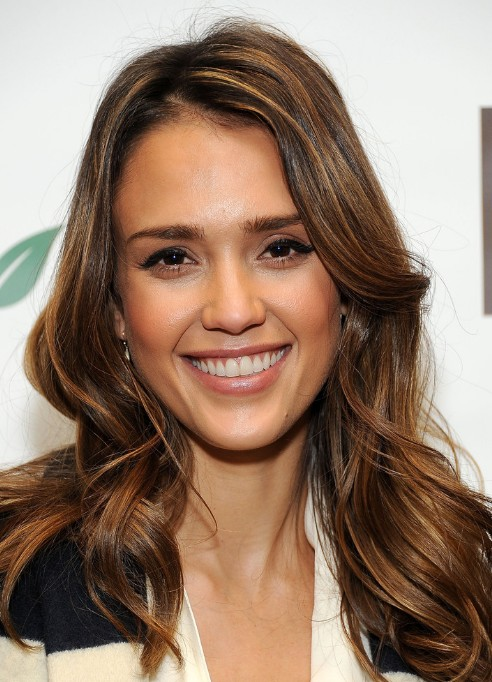 Jessica Alba Long Hairstyles with Waves
