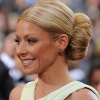 Kelly Ripa Voluminous Bun Hairstyle for Women Over 40