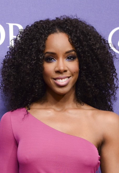 Kelly Rowland Naturally Curly Hairstyle