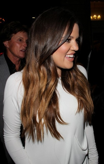 Khloe Kardashian Sexy Long Wavy Hairstyle