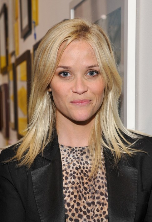 Super Medium Layered Blonde Hairstyle With Bangs Hairstyles Weekly Short Hairstyles For Black Women Fulllsitofus