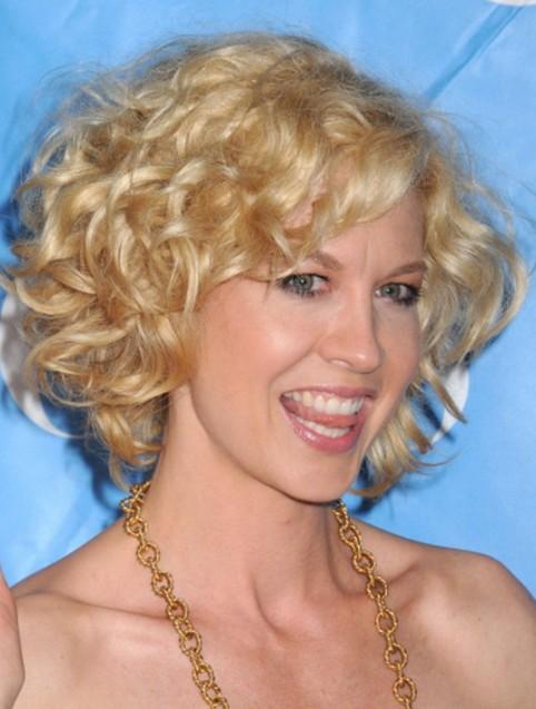 Medium blonde curly hairstyle