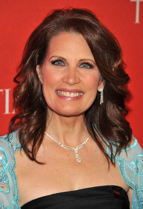 Medium Wavy Hairstyles for Women Over 50