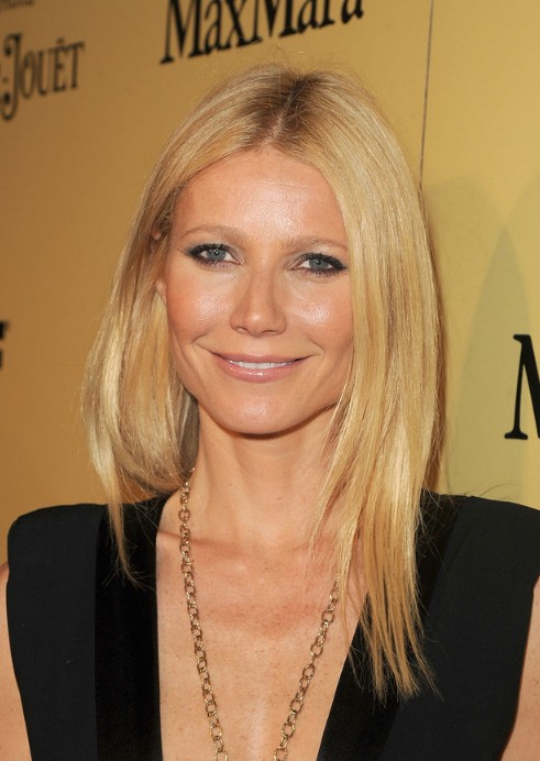 Tremendous Long Middle Part Hairstyle From Gwyneth Paltrow Hairstyles Weekly Short Hairstyles For Black Women Fulllsitofus