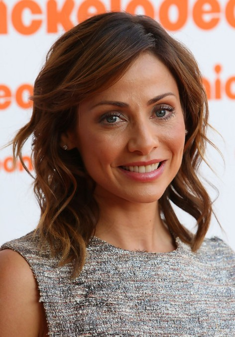 Peachy Natalie Imbruglia Hairstyle With Side Swept Bangs Hairstyles Weekly Short Hairstyles For Black Women Fulllsitofus