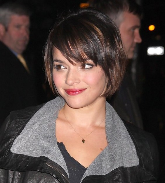 Norah Jones Cute short bob hairstyle for thin hair - Hairstyles Weekly