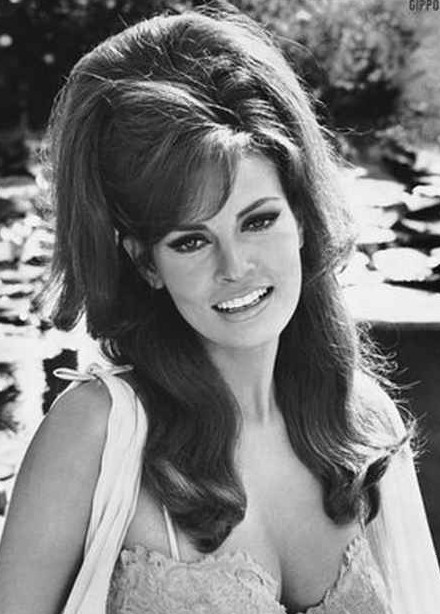 Retro 70s Hairstyles That Are Back In Trend Hairstyles Weekly
